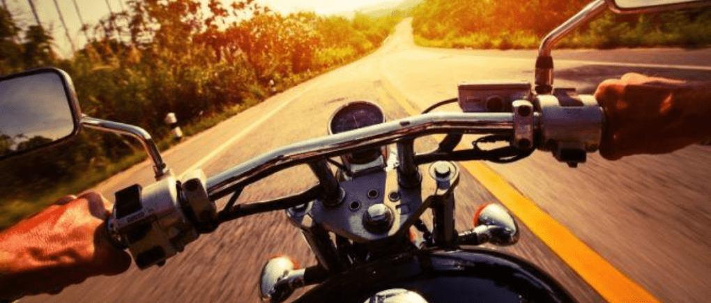 viaje seguro en motocicleta