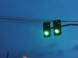 Semáforo en color verde