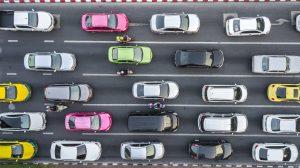 coches en el tráfico